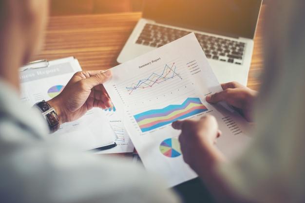 Descubra se é possível revisar tributos pagos por pequenas e médias empresas.
