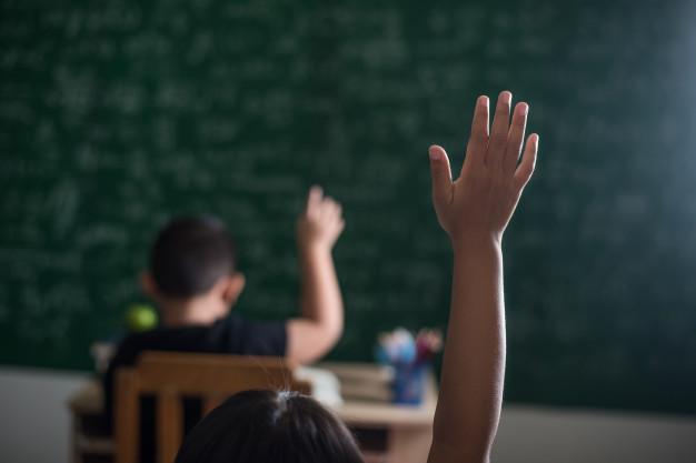 Desempenho e controle da contabilidade e finanças para escolas e cursos.