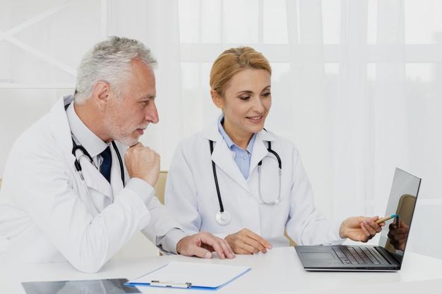 Descubra como funciona o processo de precificação de serviços médicos.